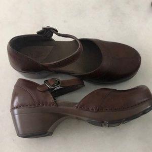 EUC Dansko Brown Leather Mary Janes Clogs 37 Sz 7